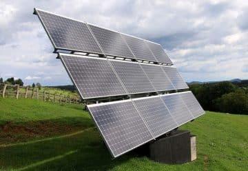Panneaux solaires au sol réglementation, avantages et prix